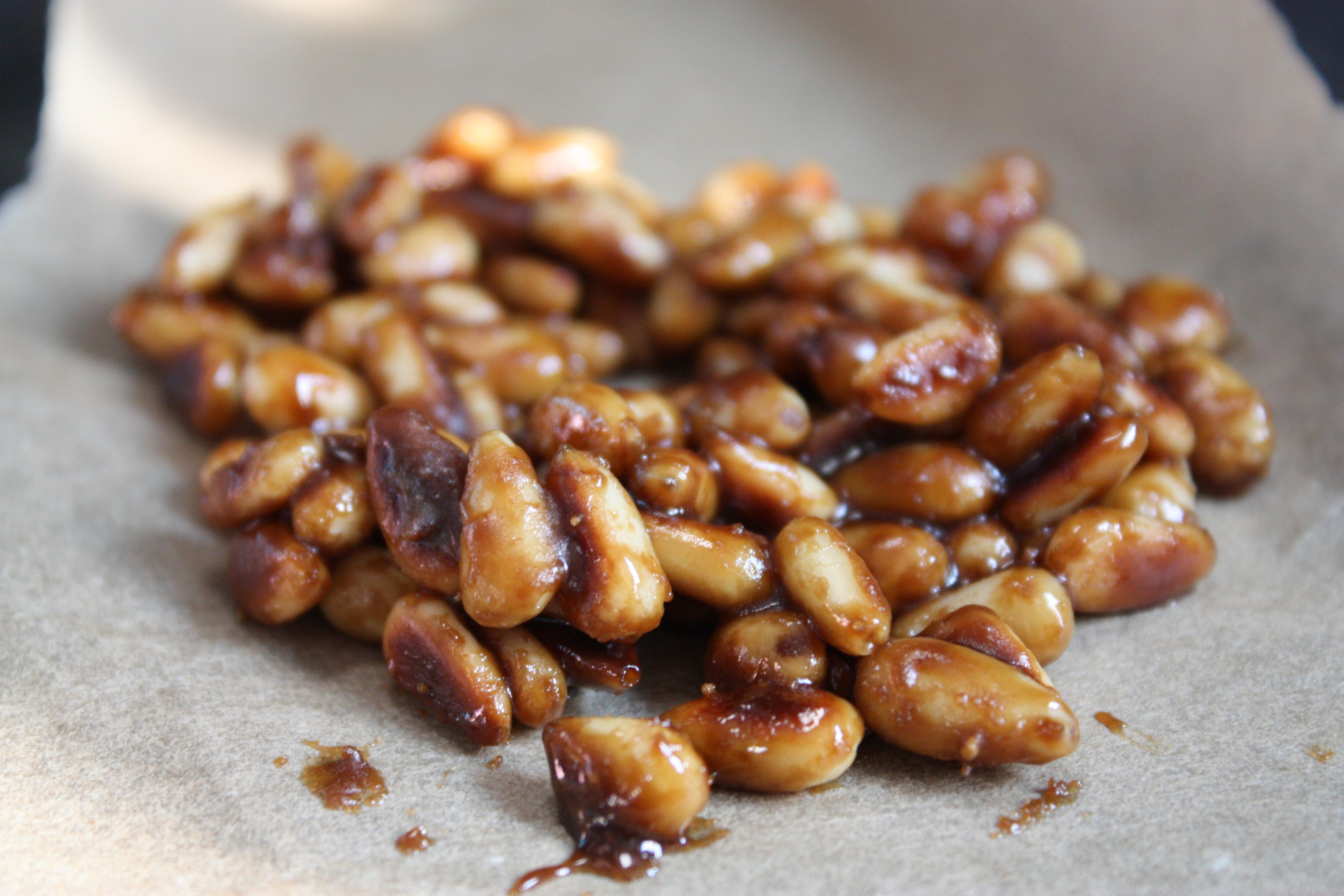 Pignons de pin caramélisés pour apporter du croquant à sa salade sucré/salé