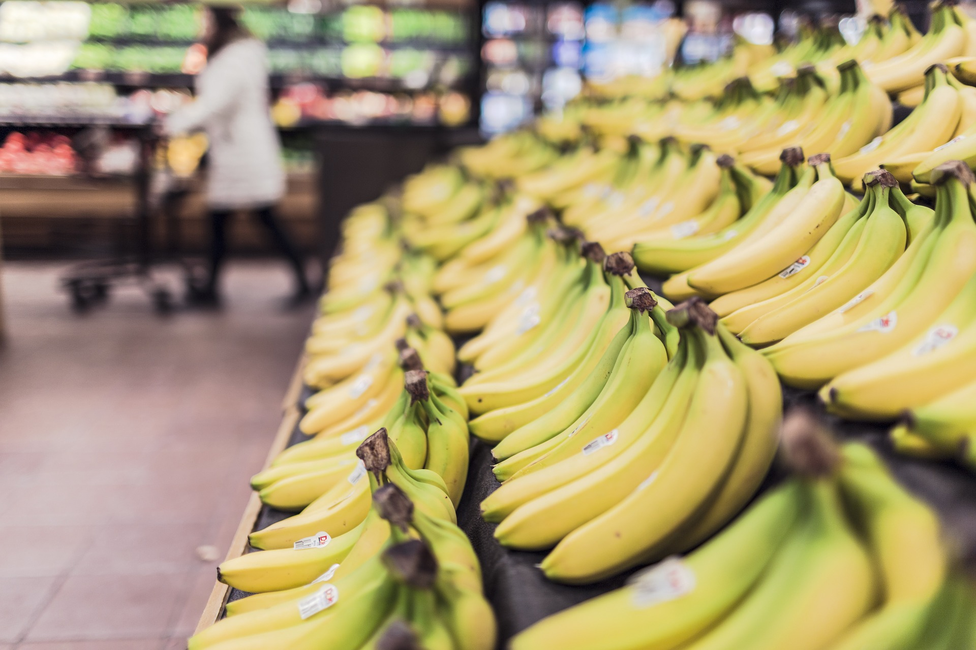 Rayon supermarché bananes courses alimentaires s'organiser