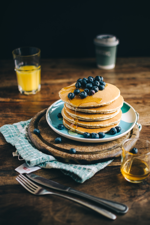 Recette de pancakes à base de banane et de flocons d'avoine pour le petit-déjeuner