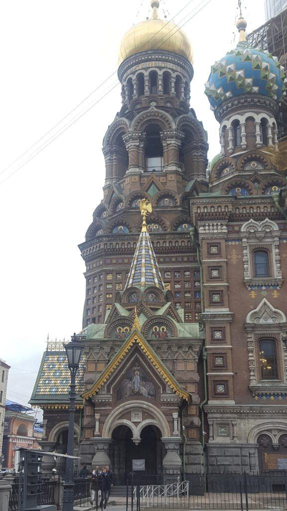 Saint-Sauveur sur le Sang Versé city-trip Saint-Pétersbourg Lau à la menthe
