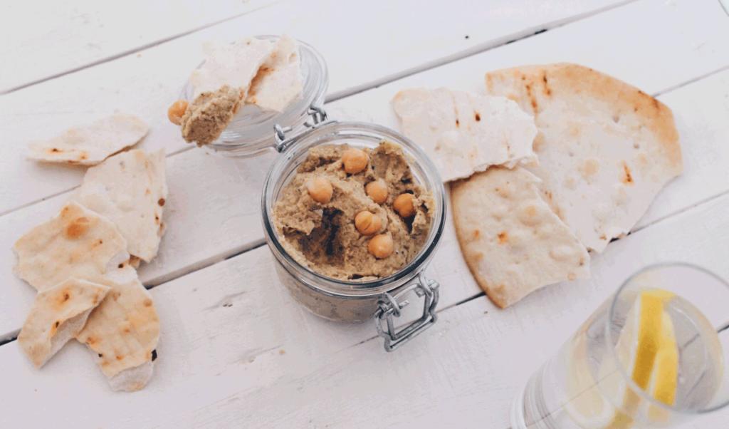 Recette de houmous : très facile et rapide à préparer, idéal pour un apéro vegan !