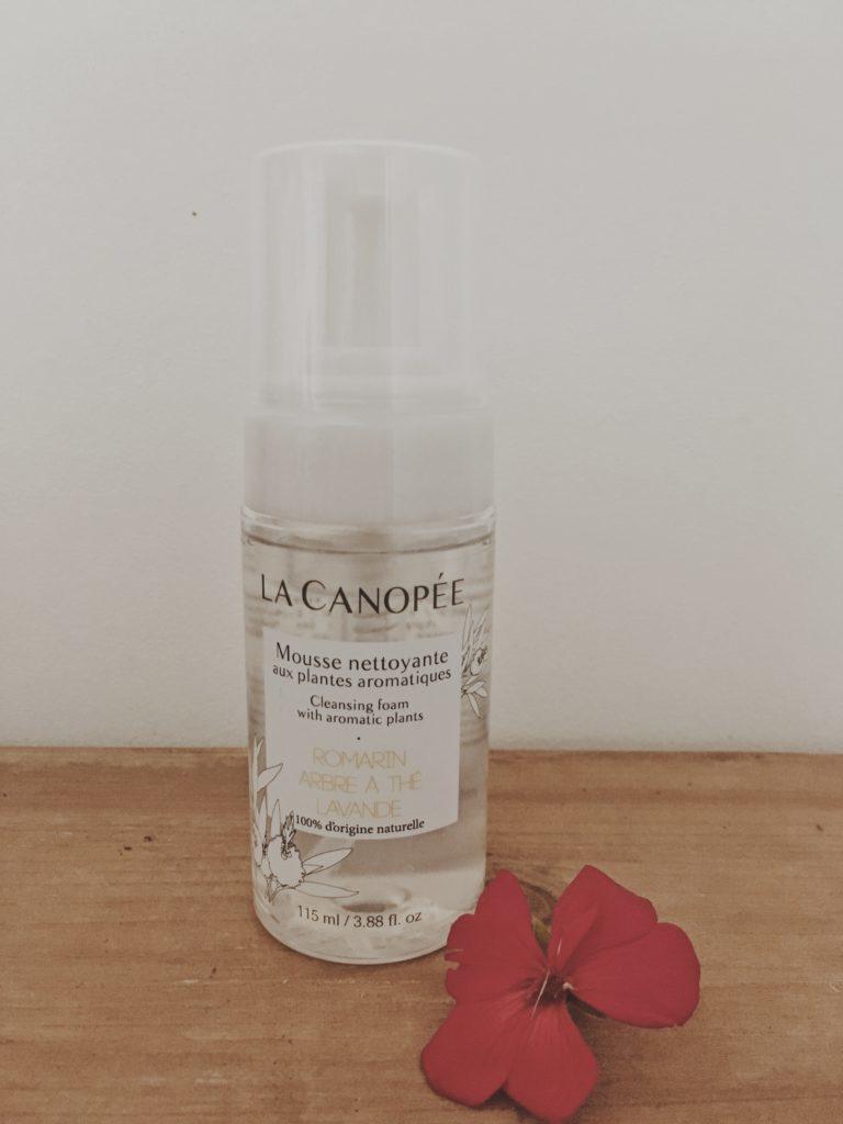 Mousse nettoyante La Canopée - cosmétique naturelle testée par Lau à la menthe