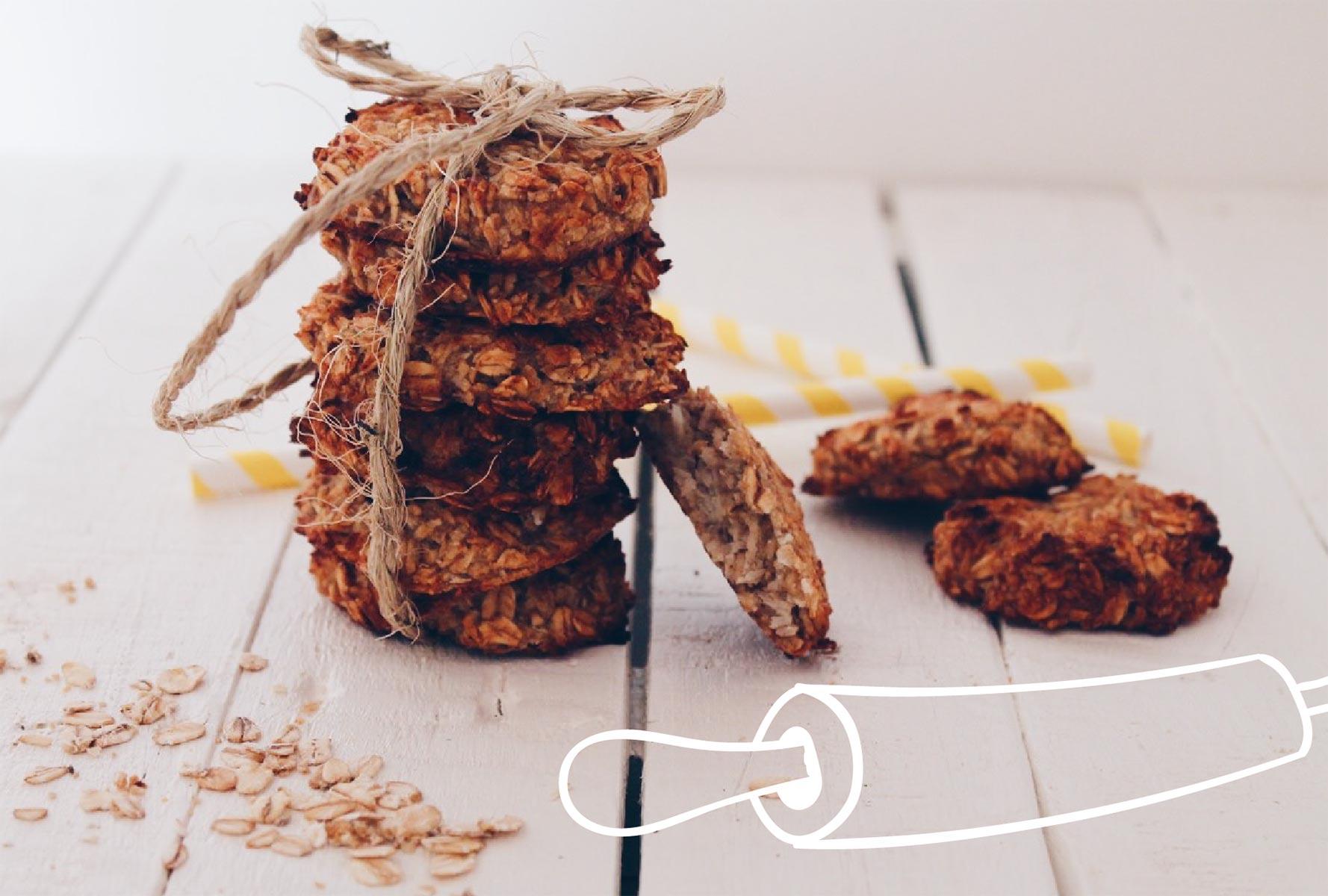 Cookies faciles et rapides à préparer à base de flocons d'avoine, de banane et de noix de coco râpée. Recette sur laualamenthe.com