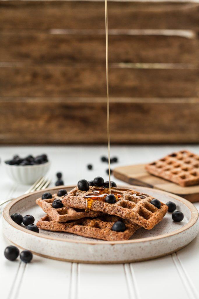 Une recette saine, facile et rapide pour réaliser des gaufres maison idéales pour le petit-déjeuner !