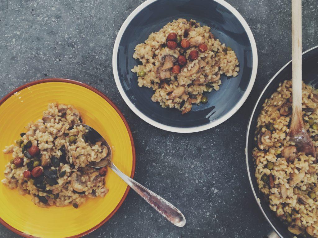 Recette de risotto vegan à base de champignons et de lait de coco, savoureux et onctueux à la fois