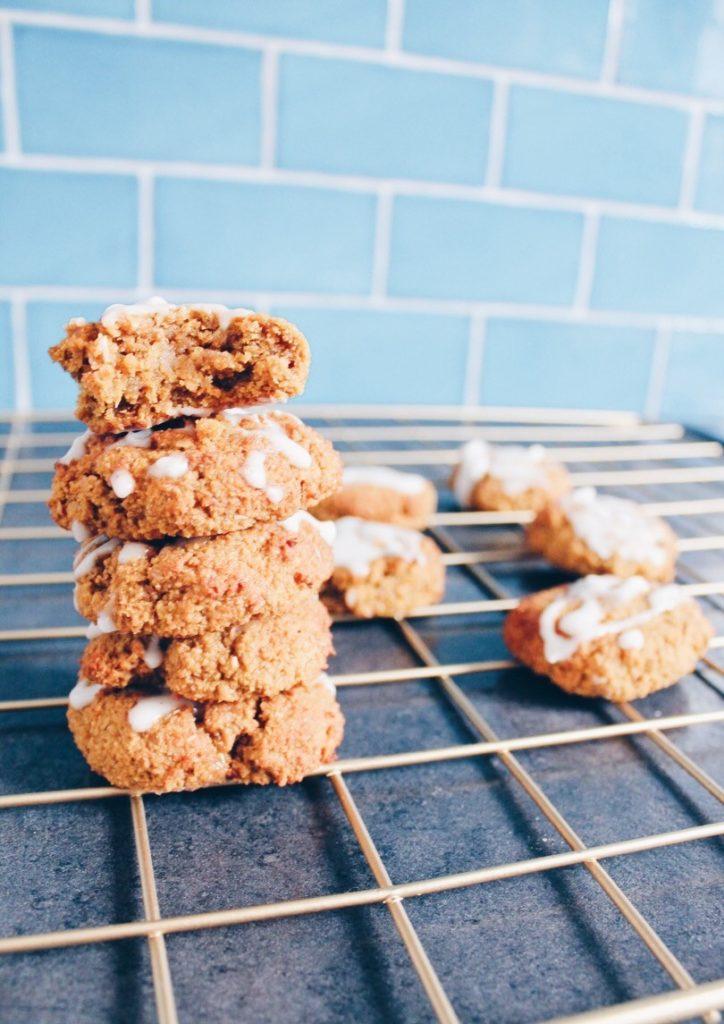 Cookies au potimarron et à la cannelle végétalien (pumpkin spice cookies). Recette sur le blog laualamenthe.com