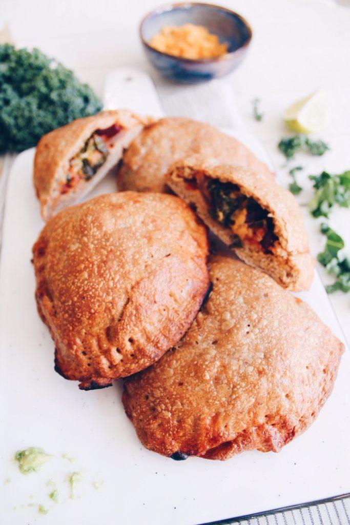 Recette d'empanadas végétariens au chili et chou kale sur le blog laualamenthe.com