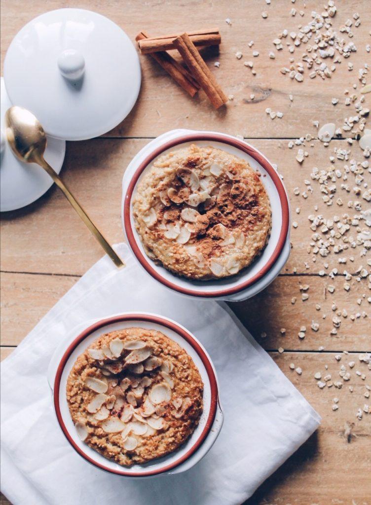 Recette de porridge à la compote de pomme façon frangipane, cuisson au four sur le blog laualamenthe.com