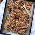 Recette de granola aux graines de chia et au miel pour un résultat très crunchy